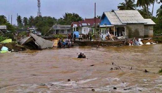 Banjir dan Longsor Sumbar-Sumut, BNPB: 22 Orang Tewas, 15 Orang Hilang