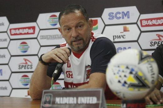 Hadapi Borneo FC, Dejan Antonic Tak Khawatir Sejumlah Pemain Madura United Absen