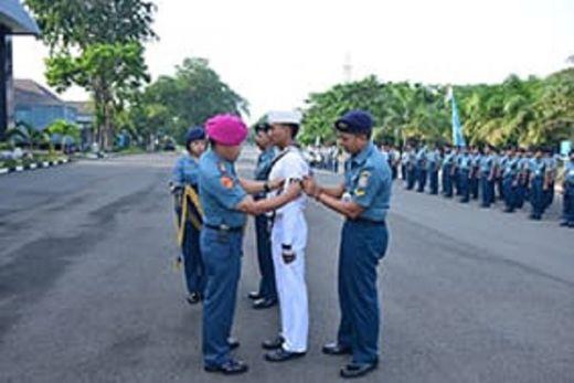 Upacara Naik Pangkat Bintara dan Tamtama Di Akademi Angkatan Laut