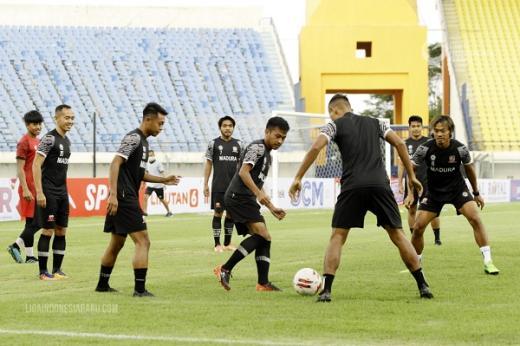 Sansan Pur Beti Tips Pemain Madura United FC