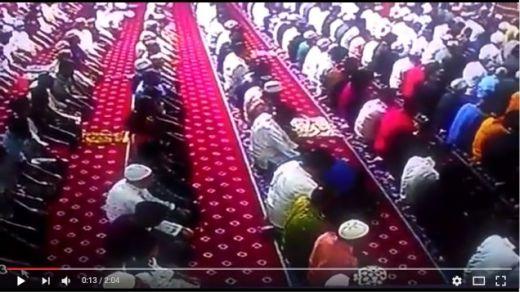 Jamaah yang Meninggal Dunia dalam Keadaan Sujud di Masjid Tebet, Ternyata Adik Ipar Gamawan Fauzi