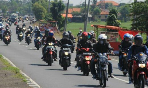 Polres Situbondo Sediakan Layanan Tambal Ban Gratis bagi Pemudik, Patut Dicontoh Daerah Lain