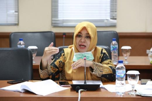 Instiawati Ayus dan YIRA Kebut Perhutanan Sosial Riau