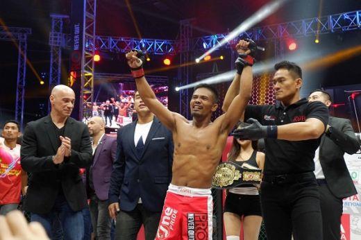 Perebutan Dua Sabuk Juara Nasional MMA