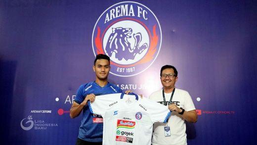 Arema FC Gunakan Singo Edan Apparel