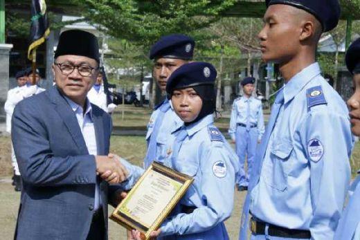 Tutup PDK SMA Kebangsaan Kalianda, Ketua MPR Berharap Siswa Terus Tingkatkan Kualitas