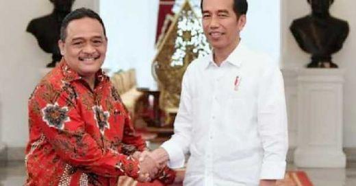 Usulan Debat Capres Pakai Bahasa Inggris, Dirkam Jokowi: Bukti Nasionalisme Mereka Setipis Kartu ATM