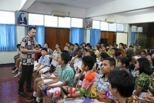 Paparkan Bahaya Narkoba, Kasubdit I Narkoba PMJ Sambangi SMP Tarakanita 5