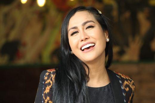 Demi Single Setialah Denganku, Ratu Meta Tunda Bulan Madu
