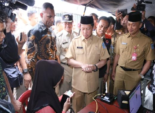 Zudan Perintahkan Disdukcapil Jateng Segera Ganti Dokumen Kependudukan Korban Banjir