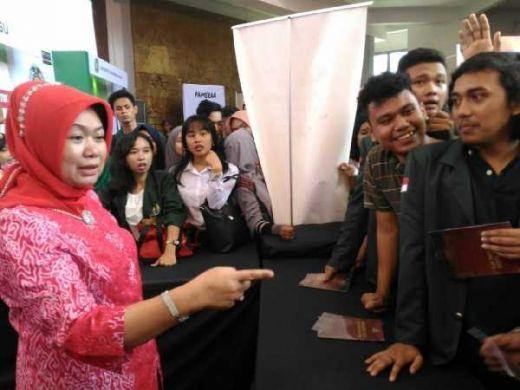 Siti Fauziah: Festival Konstitusi Luar Biasa, Banyak Pengetahuan Baru yang Diserap Mahasiswa