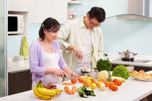 6 Makanan Kaya Gizi yang Harus Ibu Hamil Penuhi Saat Sahur