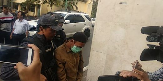 Tangkap Wanita Perekam Video Ancam Penggal Jokowi, Polisi Sita KTP hingga Kerudung