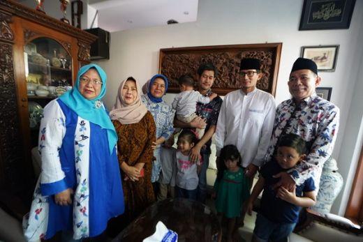 Melayat Pejuang Demokrasi di Surabaya, Sandi Harap Penyelenggaraan Pemilu Diperbaiki