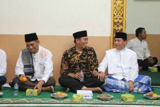 Mesra dengan Firdaus, Achmad Tegaskan Demokrat Tetap Solid Hadapi Pilgubri