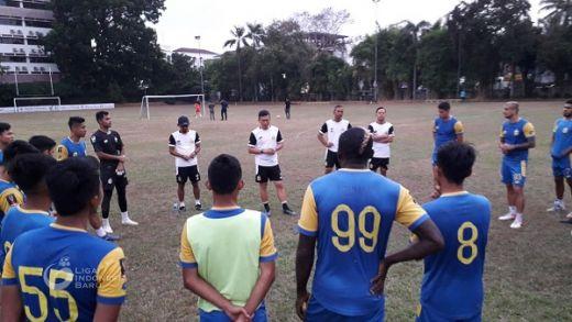 Yeyen Dituntut Dalam Waktu Pendek Benahi Bhayangkara FC