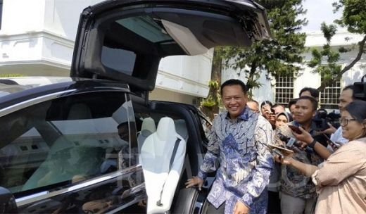 Ketua DPR Setuju Kendaraan Dinas Pejabat Pakai Mobil Listrik