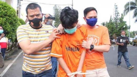 Penusuk Syekh Ali Jaber Mengaku Stres karena Ibunya Nikah Lagi