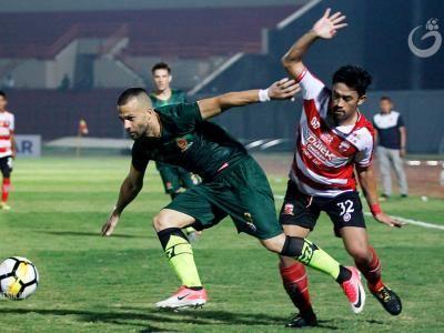 Aleksander Rakic Resmi Gabung Madura United FC