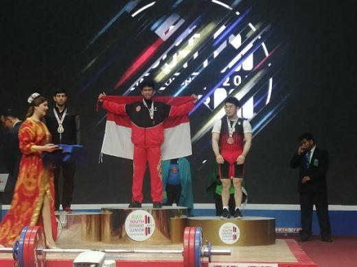 M Yasin Sumbang Emas Ke-10 Tim Angkat Besi Indonesia