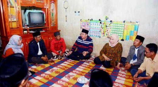 Gubernur Bengkulu Datangi Rumah Lelaki Pembawa Jenazah Bayi dalam Tas untuk Minta Maaf