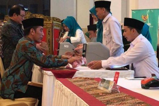 Jokowi Minta Menteri Agama Kaji Rencana Regulasi Kewajiban ASN Bayar Zakat