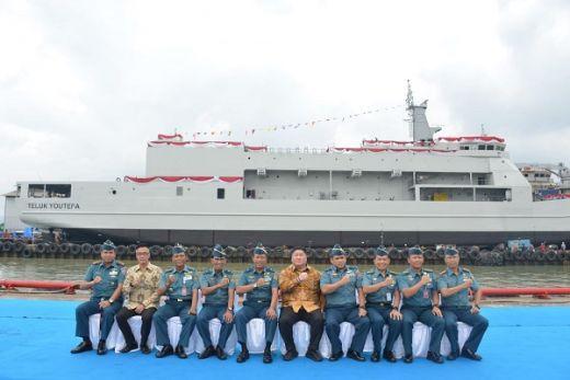 TNI AL Launching Kapal Angkut Tank di Lampung