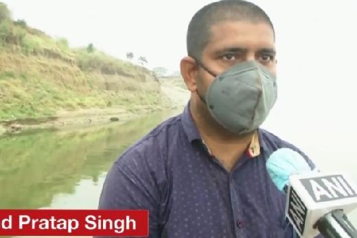 Seratusan Mayat Terapung di Sungai Gangga