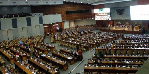 Kelakuan Anggota Dewan yang Terhormat, Datang Cuma Absen Tapi Enggak Nongol di Paripurna