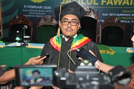 Bawakan Disertasi tentang DPR, Jazilul Fawaid Raih Gelar Doktor