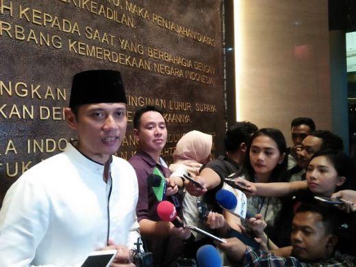AHY Ajag-ijig, Ternyata Prabowo Belum Ngundang