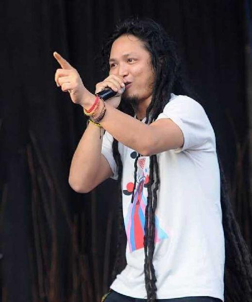 Mau Merasakan Sensasi Konser Musik Ditengah Keramaian Pasar? Silahkan Mampir di Festival Crossborder Jayapura