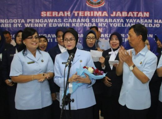 Ny. Wenny Edwin 16 Bulan Bersama Yayasan Hang Tuah Surabaya