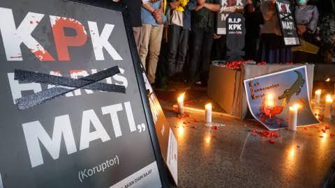 Satu Tahun UU Baru KPK: OTT Semakin Sedikit, Yang Ditangani Semakin Receh