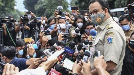6 Jam Sudah, Anies Baswedan Diklarifikasi Polisi soal Kerumunan Acara HRS