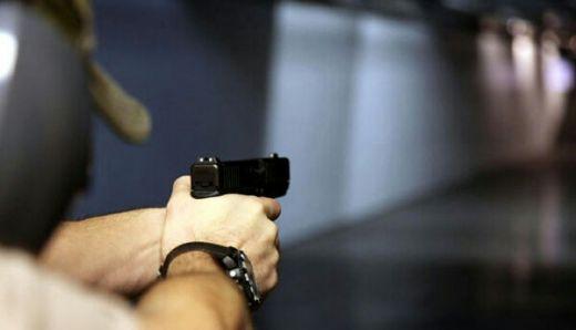Polisi Berondongkan Tembakan ke Mobil Sedan Bermuatan Wanita dan Balita, 1 Tewas dan 5 Luka Parah
