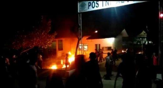 Massa Geruduk Pos TNI AL di Pusong, Lhokseumawe, Belum Diketahui Motifnya