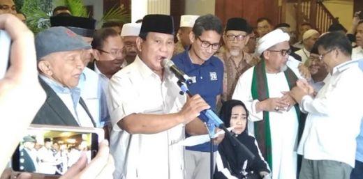 Terlihat Masih Pucat Karena Sakit, Sandi Dampingi Prabowo Saat Deklarasi Kemenangan