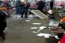 Warga Madura Hancurkan Pos Penyekatan Jembatan Suramadu