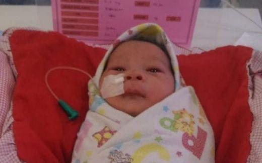 Ya Allah Tega Banget Ya... Bayi Cantik Ini Dibuang Ibunya di Kuburan Kondisi Hidup Lengkap dengan Ari-ari