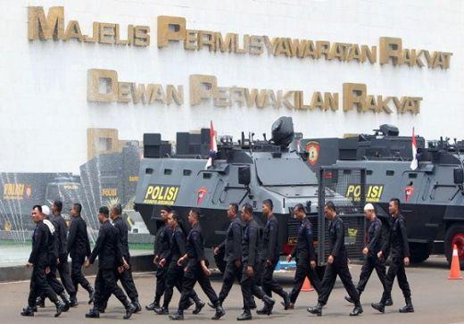 Jelang Pelantikan Jokowi, Di Mana-Mana Ada Polri dan TNI
