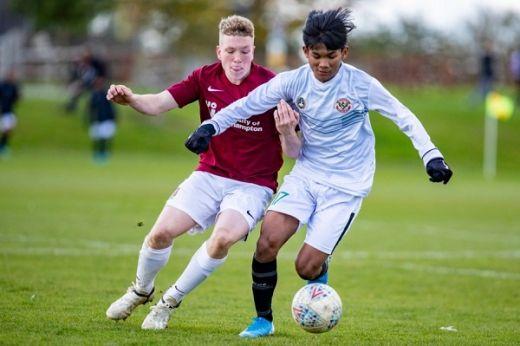 Garuda Select Sukses Tumbangkan Huddersfield Town