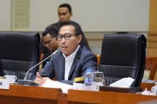 Kasus Korupsi Bansos, IPW Tuding Penyidik KPK Takut Panggil Herman Heri