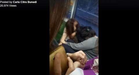 Bukan Rebutan Kursi, Ternyata Ini Alasan Dua Perempuan Berkelahi di KRL