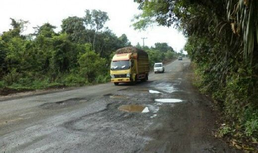 Kendaraan Pemudik Mulai Padati Jalur Lintas Sumatra