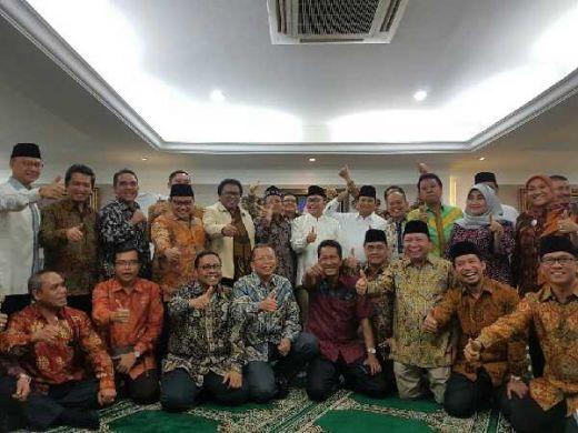 Dihadapan Tokoh dan Warga Minang, Oesman Sapta Serukan Bangun Indonesia dari Kampung Halaman