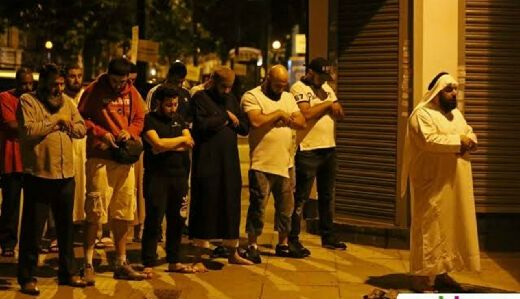 Seorang Pria Tabrakkan Van ke Kerumunan Jamaah Salat Tarawih, 1 Tewas dan 8 Luka-luka