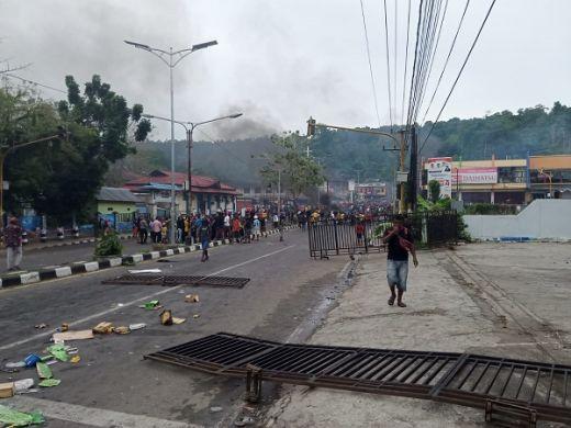 Bamsoet Imbau Warga Papua Tahan Diri dan Tak Berbuat Anarkis