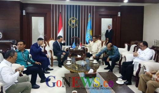 Sambangi Ketua DPD, Dubes Kazakhstan Mengaku Kagum dengan Kopi dan Teh Indonesia