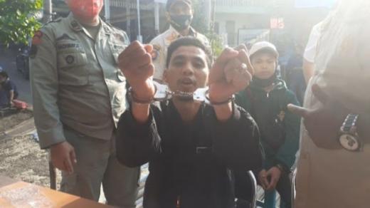 Warga Tidak Pakai Masker Diborgol, Koruptor Malah Bebas